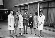 Roses of Tralee visit Guinness Brewery. Picture shows (l-r) Miss Theresa Gillespie, Belfast Rose 1965; Miss Margaret O'Reilly, Tralee Rose 1967; Miss Maura Enright, Dublin Rose 1966, Mr. Guy Jackson, Managing Director, Guinness Group Sales; Miss Rosaleen Kelleher, Dublin Rose 1966; Miss Eithne Downey, Belfast Rose 1967; and Miss Jo Murphy, Cork Rose 1961..03.08.1967