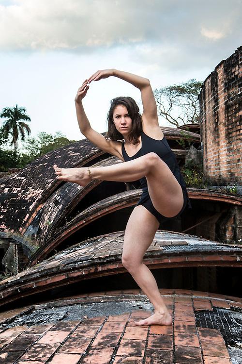 Laura Rios dancer Havana Cuba, member of Danza Contemporánea de Cuba