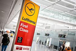 THEMENBILD, Airport Muenchen, Franz Josef Strauß (IATA: MUC, ICAO: EDDM), Der Flughafen Muenchen zählt zu den groessten Drehkreuzen Europas, rund 100 Fluggesellschaften verbinden ihn mit 230 Zielen in 70 Laendern, im Bild Hinweisschild Lufthansa, First Class, Star Alliance Gold, Swiss International Airlines // THEME IMAGE, FEATURE - Airport Munich, Franz Josef Strauss (IATA: MUC, ICAO: EDDM), The airport Munich is one of the largest hubs in Europe, approximately 100 airlines connect it to 230 destinations in 70 countries. picture shows: Sign of Lufthansa First Class, Star Alliance Gold, Swiss International Airlines, Munich, Germany on 2012/05/06. EXPA Pictures © 2012, PhotoCredit: EXPA/ Juergen Feichter