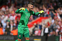 Football - 2017 / 2018 Premier League - Southampton vs. West Ham United<br /> <br /> Southampton's Fraser Forster celebrates Saints opening goal at St Mary's Stadium Southampton<br /> <br /> COLORSPORT/SHAUN BOGGUST