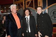 """Opening/Premiere Palazzo, een combinatie van theater en dineren op Topniveau onder leiding van twee sterren Michelin kok Ron Blaauw. De spiegeltent staat voor de derde keer in Amsterdam, no op het terrein van ciultuurpark """"De Westergasfabriek"""".<br /> <br /> Op de foto:<br />  Jan Slagter, oprichter en directeur Omroep MAX  en uiters rechts Froukje de Both"""