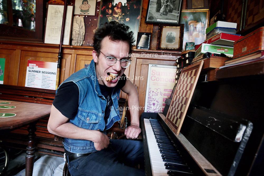 Nederland, Amsterdam, 29 juni 2015.<br /> Oscar Jan Hoogland, componist Pianist<br /> <br /> Foto: Jean-Pierre Jans