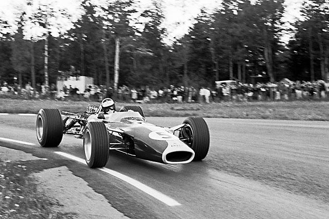 Jim Clark in Lotus 49-Ford Cosworth DFV in practice at 1967 USGP at Watkins Glen