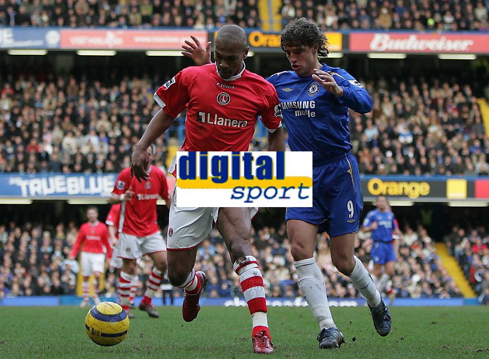 Photo: Lee Earle.<br /> Chelsea v Charlton Athletic. The Barclays Premiership. 22/01/2006. Charlton's Marcus Bent holds off Hernan Crespo