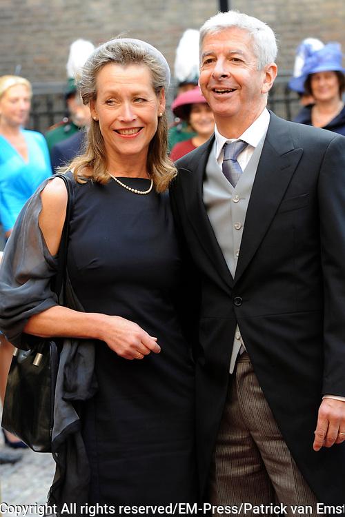 Prinsjesdag 2014 - Aankomst Politici op het Binnenhof.<br /> <br /> Op de foto:  Ronald Plasterk - Minister van Binnenlandse Zaken en Koninkrijksrelaties