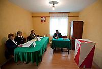 09.10.2011 wies Kruszyniany woj podlaskie Wybory Parlamentarne 2011 n/z OKW nr 2 fot Michal Kosc / AGENCJA WSCHOD