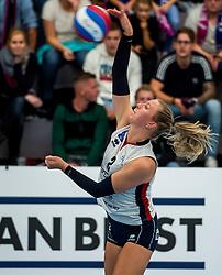 29-09-2018 NED: Supercup Sliedrecht Sport - Eurosped, Sliedrecht<br /> Sliedrecht takes the first price of the new season / Brechtje Kraaijvanger #2 of Sliedrecht Sport