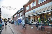 Nederland, Neede, 30-1-2013Straatbeeld in het centrum van het dorp in de Achterhoek. Rechts enkele winkelpanden aan de Oudestraat die leeg staan en in de verkoop zitten.Foto: Flip Franssen