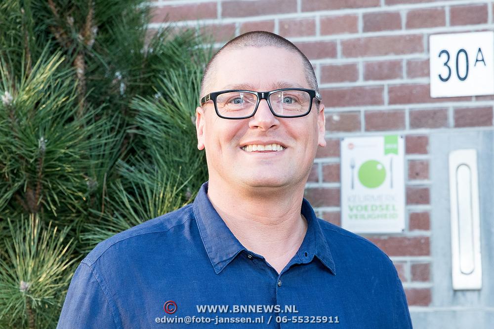 NLD/Amsterdam/20190401 -  Opening Burgerroom Gordon , Ex partner Gordon