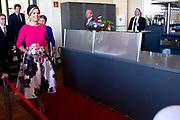 Werkbezoek van  Koning Willem Alexander en  Koningin Maxima aan de Duitse deelstaten<br /> Mecklenburg-Voor-Pommeren en Brandenburg.<br /> <br /> Working visit by King Willem Alexander and Queen Maxima to the German states of Mecklenburg-Western Pomerania and Brandenburg.<br /> <br /> Op de foto / On the photo: Koning en Koingin bij Schloss Schwerin / King and Queen at Schloss Schwerin