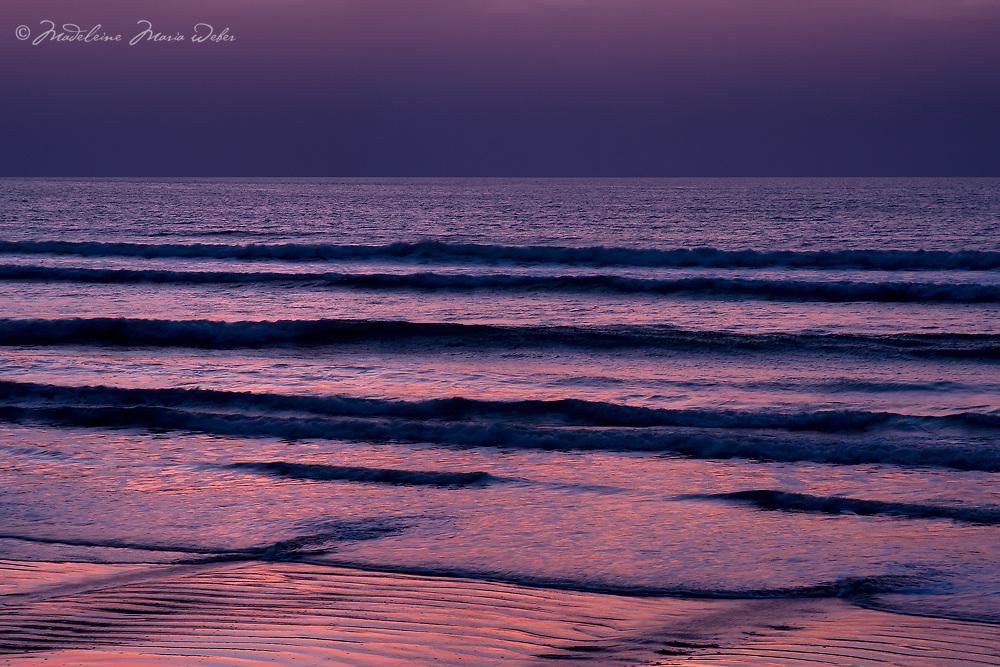 Pink Sunset Atlantic Horizon at Rossbeigh Beach, Co. Kerry / wt016