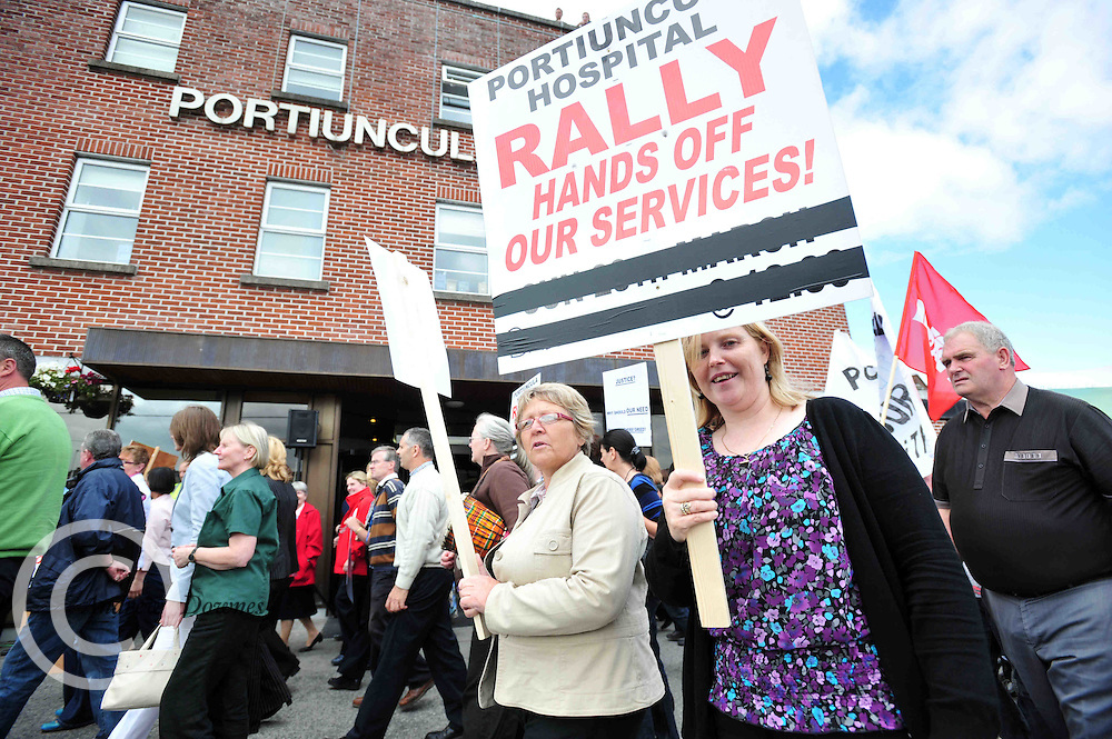 Protestors at the Portiuncula Hospital in Ballinasloe Co. Galway where the cut backs are reportedly 14%, that's more than any other hospital in Galway. Photo:Andrew Downes. .