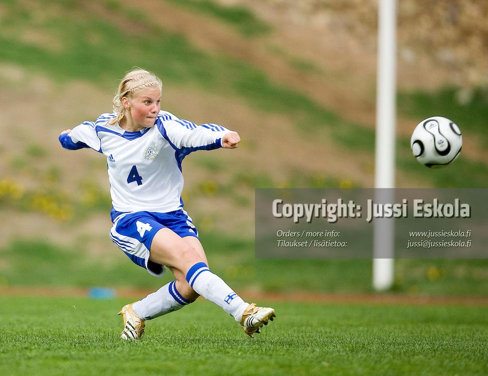 Emmi Montonen. Suomi-Englanti, U17, neljän maan turnaus, Eerikkilä 25.5.2007. Photo: Jussi Eskola