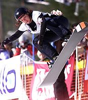Snowboard, snøbrett, NM halfpipe Kongsberg Skisenter 24. mars 2001. Stine Brun Kjeldaas.