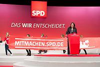 """14 APR 2013,AUGSBURG/GERMANY:<br /> Andrea Nahles, SPD Generalsekretaerin, haelt die Schlussrede, hinter Ihr ein Transparent der Mobilisierungskampagne """"Mitmachen.SPD.de"""",  a.o. SPD Bundesparteitag, Messe Augsburg<br /> IMGE: 20130414-01-423<br /> KEYWORDS: Parteitag, party congress, Rede"""