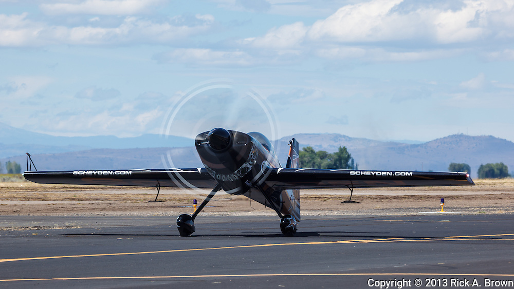 Super Dave Mathieson taxiing in his MX2 at the Airshow of the Cascades.