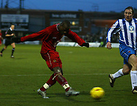 Fotball<br /> England 2004/2005<br /> Foto: SBI/Digitalsport<br /> NORWAY ONLY<br /> 22.01.2005<br /> <br /> Hartlepool United v Bristol City, Coca-Cola League 1, Victoria Park, Hartlepool 22/01/2005.<br /> Bristol City's Leroy Lita (L) fires in a shot on goal.