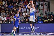 DESCRIZIONE : Beko Legabasket Serie A 2015- 2016 Dinamo Banco di Sardegna Sassari - Enel Brindisi<br /> GIOCATORE : Joe Alexander<br /> CATEGORIA : Tiro Controcampo<br /> SQUADRA : Dinamo Banco di Sardegna Sassari<br /> EVENTO : Beko Legabasket Serie A 2015-2016<br /> GARA : Dinamo Banco di Sardegna Sassari - Enel Brindisi<br /> DATA : 18/10/2015<br /> SPORT : Pallacanestro <br /> AUTORE : Agenzia Ciamillo-Castoria/L.Canu