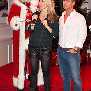 NLD/Hilversum/20151207- Sky Radio's Christmas Tree for Charity, Vivian Reijs en Danny de Munk