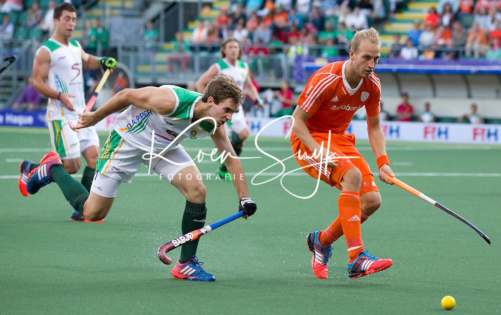 DEN HAAG -  tijdens de wedstrijd tussen de mannen van Nederland en Zuid Afrika in het WK hockey 2014.  ANP KOEN SUYK