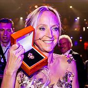 NLD/Amsterdam/20161013 - Televiziergala 2016, Floortje Dessing wint de Televizierring 2016