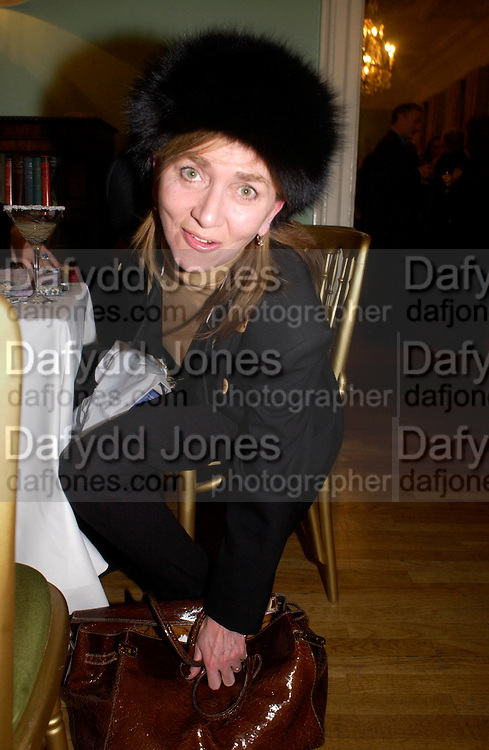 Elena Durden-Smith,  Party to celebrate the publication of ' The Swallow and the Hummingbird by Santa Sebag-Montefiore. The English Speaking Union. 15 March 2004. ONE TIME USE ONLY - DO NOT ARCHIVE  © Copyright Photograph by Dafydd Jones 66 Stockwell Park Rd. London SW9 0DA Tel 020 7733 0108 www.dafjones.com