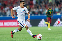 MOSCOW, June 19, 2017  Chile's Alexis Sanchez vies during the 2017 Confederations Cup football Group B match against Mexico in Moscow, Russia, June 18, 2017. (Credit Image: © Evgeny Sinitsyn/Xinhua via ZUMA Wire)