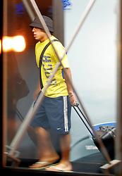 O jogador argentino do Boca Juniors, Carlos Tevez desembarca no aeroporto internacional Salgado Filho, em Porto Alegre. FOTO: Jefferson Bernardes/Preview.com