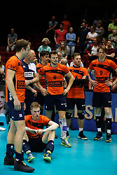 20180506 NED: Eredivisie Abiant Lycurgus - Seesing Personeel Orion, Groningen<br />Spelers Seesing Personeel Orion zijn teleurgesteld<br />©2018-FotoHoogendoorn.nl
