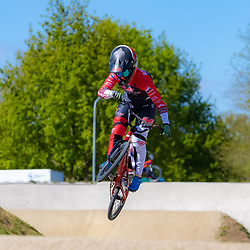 05-05-2020: Wielrennen: BMX KNWU: Papendal  <br />De BMX'ers mochten de baan weer op. Merel Smulders