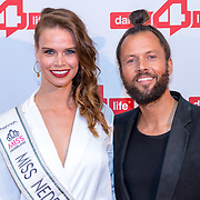 NLD/Amsterdam/20180622 - Inloop Dance4life gala 2018, Nicky Opheij en dj De La Fuentes