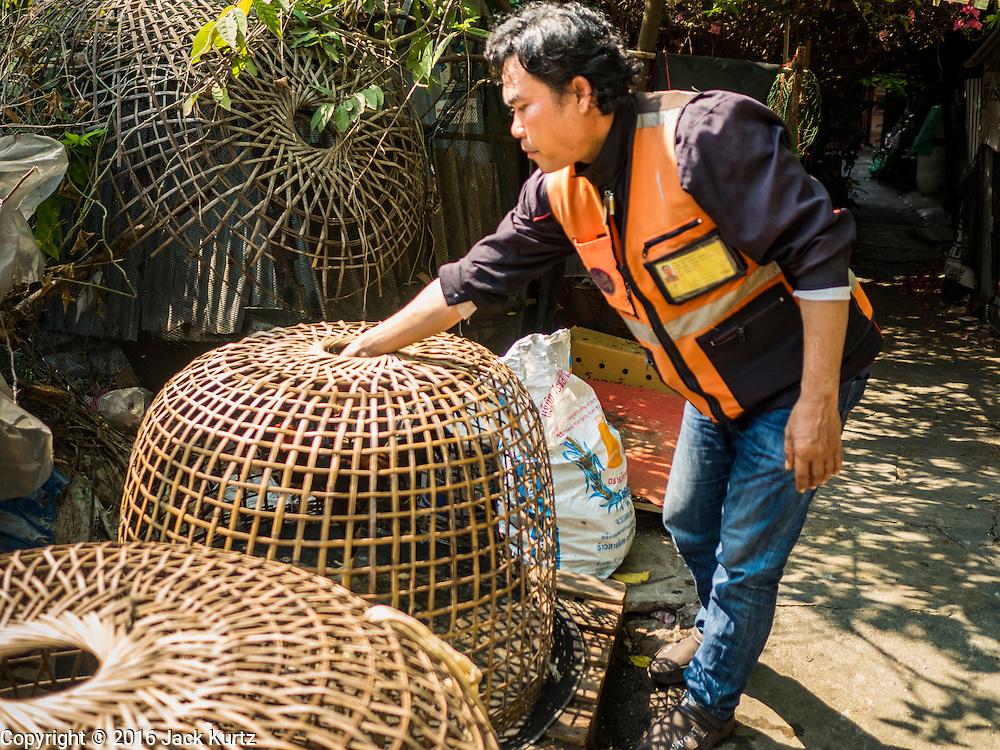 09 MARCH 2016 - BANGKOK, THAILAND:     PHOTO BY JACK KURTZ