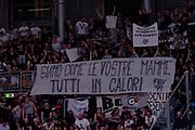 tifosi virtus segafredo bologna<br /> Kontatto Fortitudo Bologna - Segafredo Virtus Bologna<br /> LNP A2 2016/2017<br /> Bologna, 14/04/2017<br /> Foto M.Ceretti / Ciamillo - Castoria