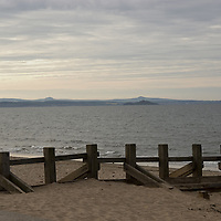 Sandy beach on the Firth of Forth in Portobello, near Edinburgh, Scotland<br />