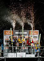 Hopp<br /> Verdenscup<br /> Hoppuka<br /> Bischofshofen Østerrike<br /> 06.01.2012<br /> Foto: Gepa/Digitalsport<br /> NORWAY ONLY<br /> <br /> FIS Weltcup der Herren, Vierschanzen-Tournee. <br /> <br /> Bild zeigt Anders Bardal (NOR), Thomas Morgenstern und Gregor Schlierenzauer (AUT).