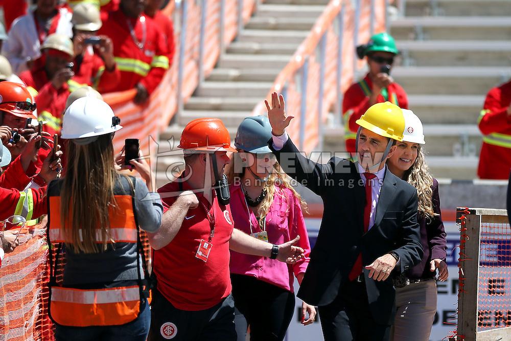 O ex-jogador de futebol Bebeto durante visita as obras de reforma do estádio Beira Rio em 07 de outubro de 2013. O Estádio Beira Rio, que receberá jogos da Copa do Mundo de Futebol 2014, tem sua re-inauguração agendada para 04 de abril de 2014. FOTO: Jefferson Bernardes/ Agência Preview
