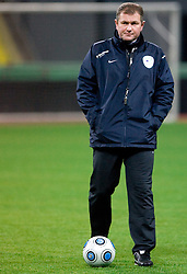 Head coach of Slovenia Matjaz Kek at practice of Slovenian team a day before FIFA World Cup 2010 Qualifying match between Russia and Slovenia, on November 13, 2009, in Stadium Luzhniki, Moscow, Russia.  (Photo by Vid Ponikvar / Sportida)