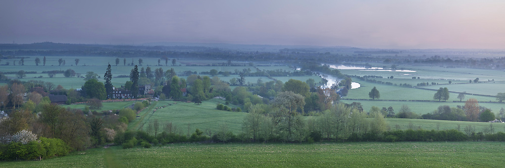 Dawn over the River Thames from Wittenham Clumps near Dorchester, Oxfordshire, Uk