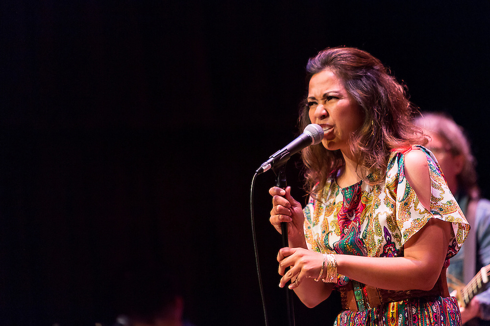 Anna Fermin performs at the Old Town School of Folk Music, Chicago 2012
