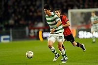 FOOTBALL - UEFA EUROPA LEAGUE 2011/2012 - GROUP STAGE - GROUP I - STADE RENNAIS v CELTIC - 20/10/2011 - PHOTO PASCAL ALLEE / DPPI -  KI SUNG-YONG (GLA) / VINCENT PAJOT (REN)