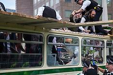 2021-08-31 Extinction Rebellion Extinction Bus at London Bridge