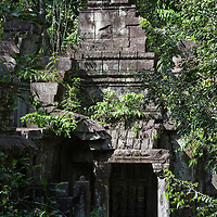 You feel a little bit like Indiana Jones when you are exploring the Beng Mealea area.