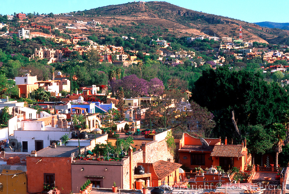 MEXICO, SAN MIGUEL ALLENDE wealthy homes of foreign residents
