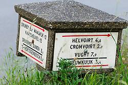 oude ANWB paddenstoel, Vlijmen, Noord Brabant, Netherlands