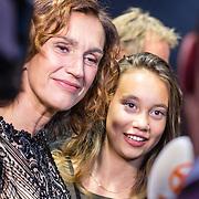 NLD/Utrecht/20160921- inloop Openingsavond NFF 2016: premiere DE HELD, Monic Hendrickx met haar dochter