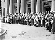 21/07/1958<br /> 07/21/1958<br /> 21 July 1958<br /> I.N.T.O. Summer Course at University College Dublin.