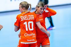 Danick Snelder of Netherlands, Angela Malestein of Netherlands during the Women's EHF Euro 2020 match between Netherlands and Germany at Sydbank Arena on december 14, 2020 in Kolding, Denmark (Photo by RHF Agency/Ronald Hoogendoorn)