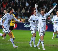 Tippeligaen Rosenborg - Start 22 mars 2010<br /> Lerkendal Stadion, Trondheim<br /> <br /> Steffen Iversen og Mikael Lustig, RBK jubler etter 3-3 scoringen<br /> <br /> <br /> Foto : Arve Johnsen, Digitalsport
