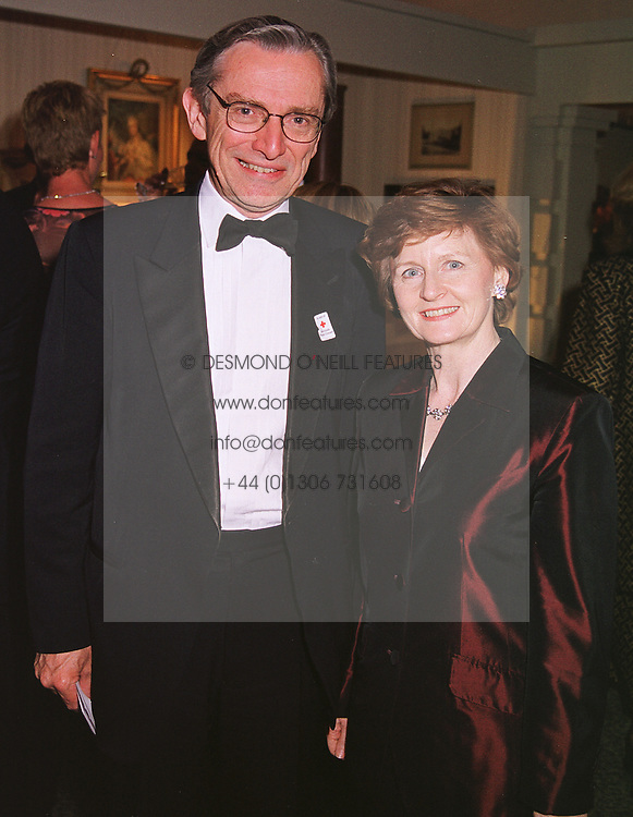 SIR NORMAN & LADY FOWLER at a gala evening in London on 9th June 1999.<br /> MSZ 87