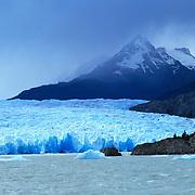 Enormous Perito Moreno Glacier in Parque Nacional las Glaciares, Patagonia, Argentina.